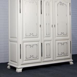 Корпусная мебель,  двери  из массива ольхи,  дуба