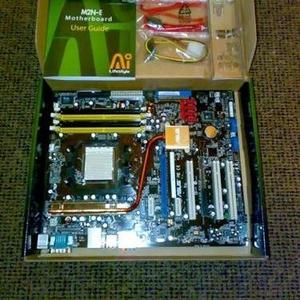 Материнская плата+процессор+оперативная память+видеокарта+модем+клава.